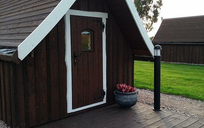 Macbeth's Hillock Hut 3 - Luxury Glamping - CabinBookers